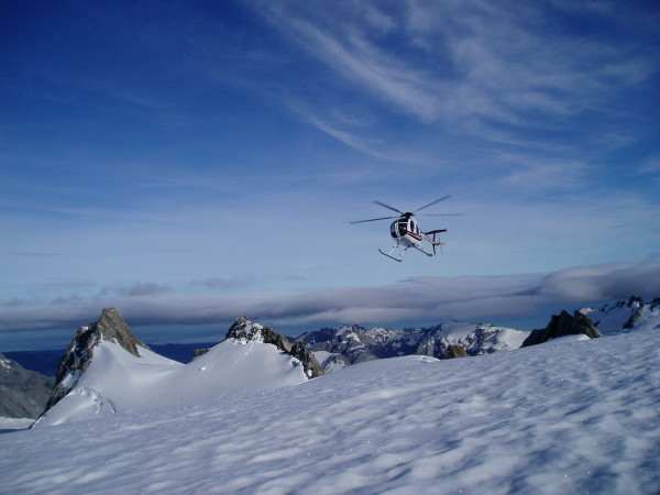 aircraft used for mountaineering adventures