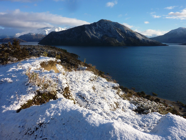 Lake wanaka with early snow