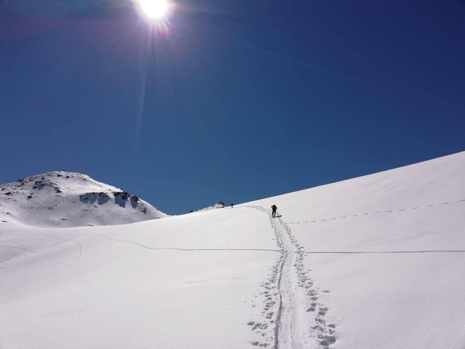 Fresh winter snow - September ski touring in NZ